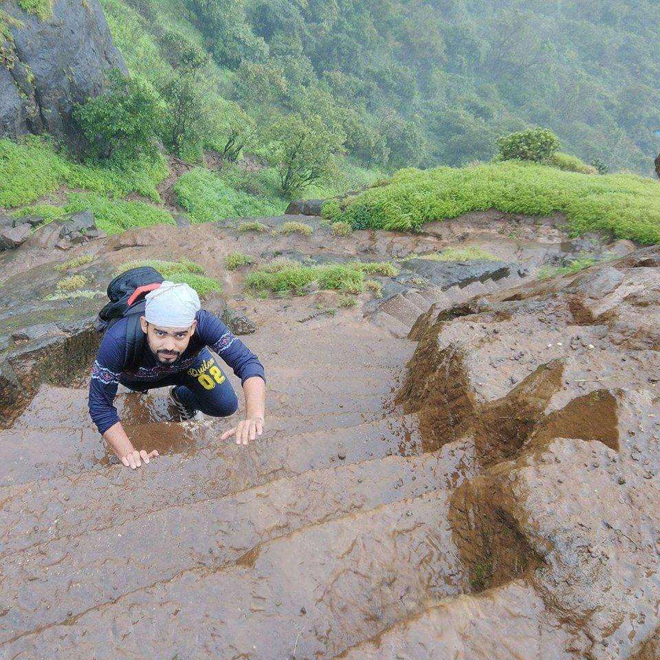 kalavantin-steep-stairs