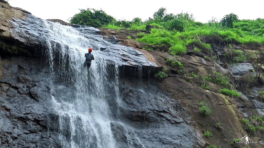 Diksal-Waterfall-rapelling